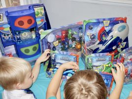 Read what mums thought of the new PJ Masks Super Moon Adventure toys!