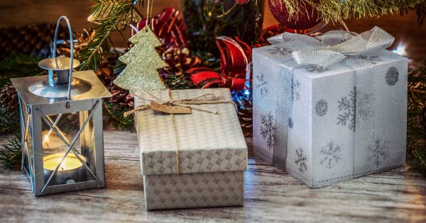 e320e9c757120 Last minute gift wrapping ideas - UK Mums TV