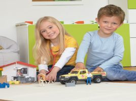 Out-of-the-box pretend play with Schleich!