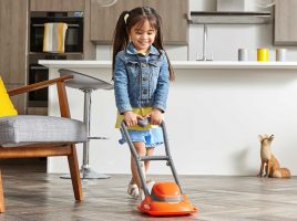 Top mummy bloggers review Casdon's Dyson Cord-free and Flymo!
