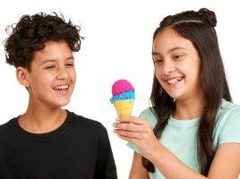 Win 1 of 5 Foam Alive Make 'N' Melt Ice Cream Kits!