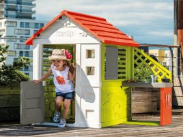 Win a Smoby Nature Playhouse & Kitchen!