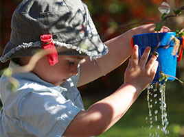 Water play activities that you can set up at home!
