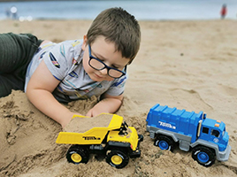 Make the most of your kids' sandpit play with Tonka!